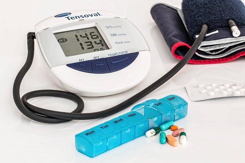 Измерение артериального давления электронным тонометром
